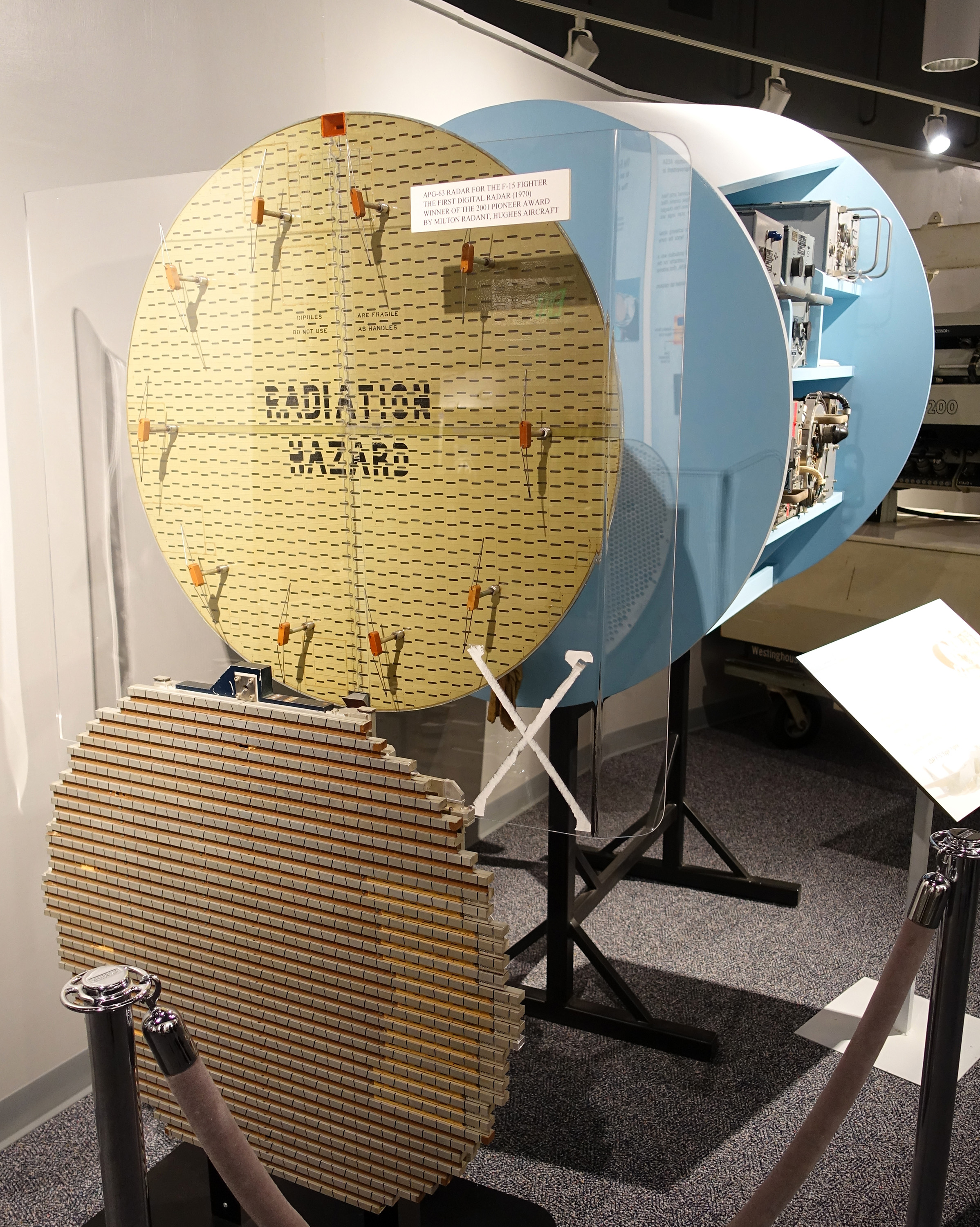 AN APG 63 view 1 X band pulse doppler radar Hughes Aircraft 1973 National Electronics Museum DSC00395
